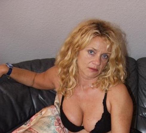 Grand m res en chaleur barentin avec toudoutoubon 51 ans sexe avec une vieille en chaleur - Grand mere en chaleur ...