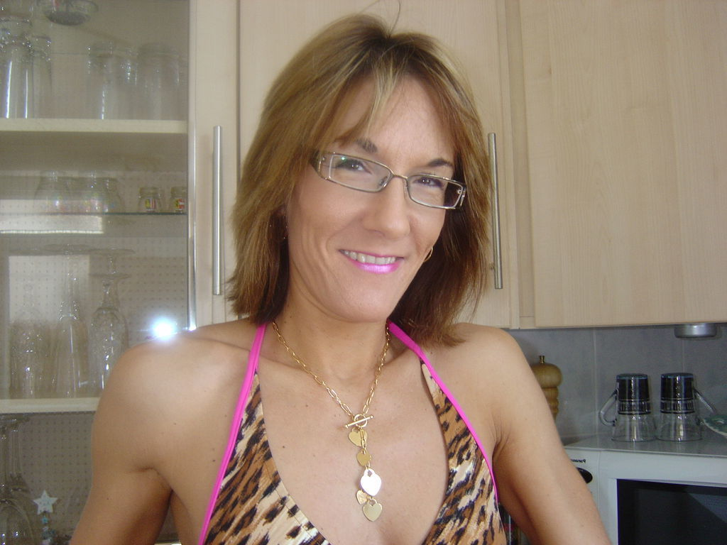 adult contacts bristol jpg 853x1280