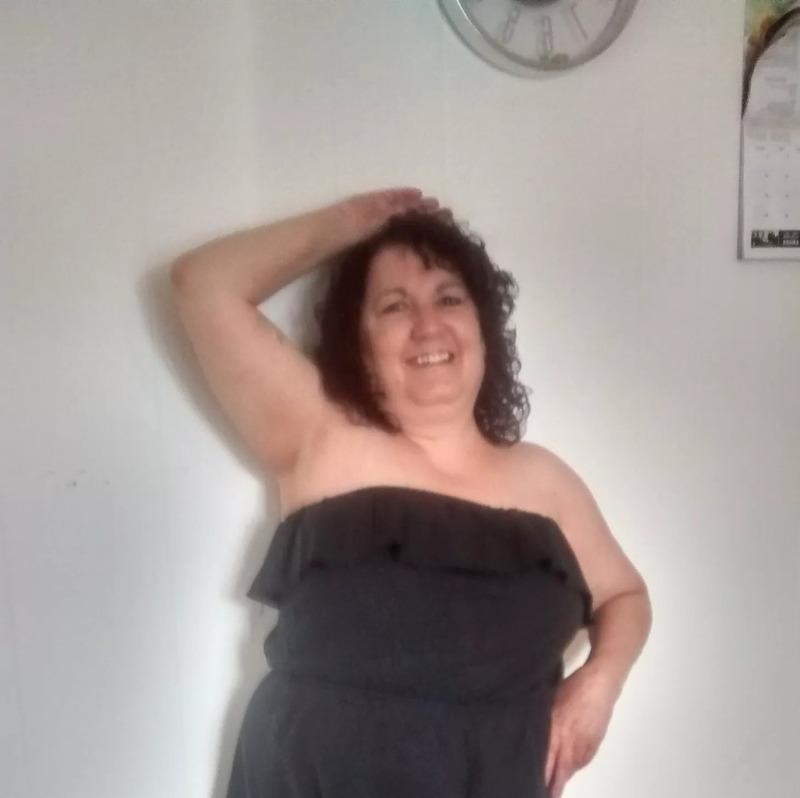 Mature Sex Contacts in Hamilton. Selective-Margaret, 51