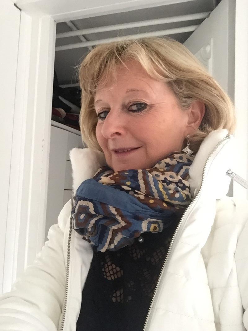 Gladys, MILF Blonde Vicieuse De Libourne