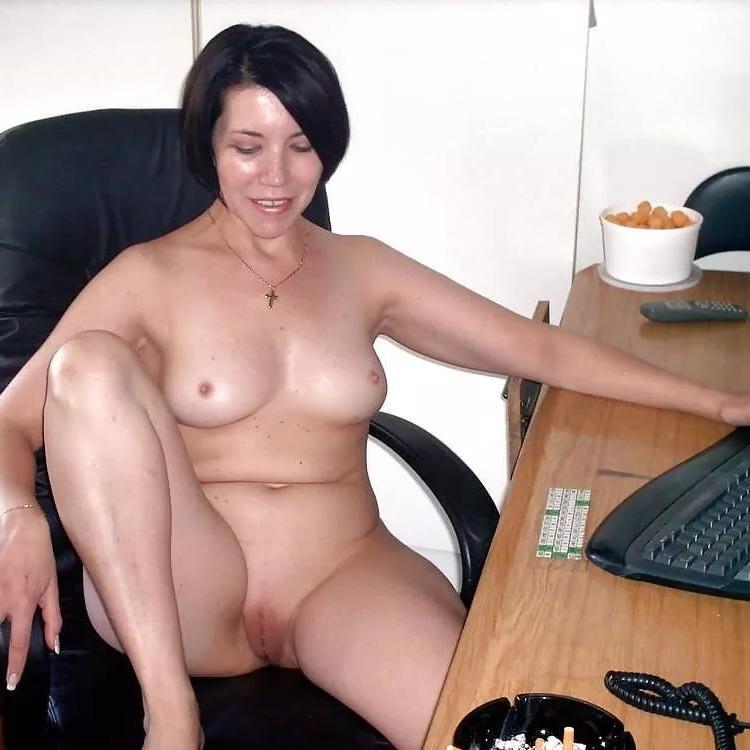 bald women porn pics