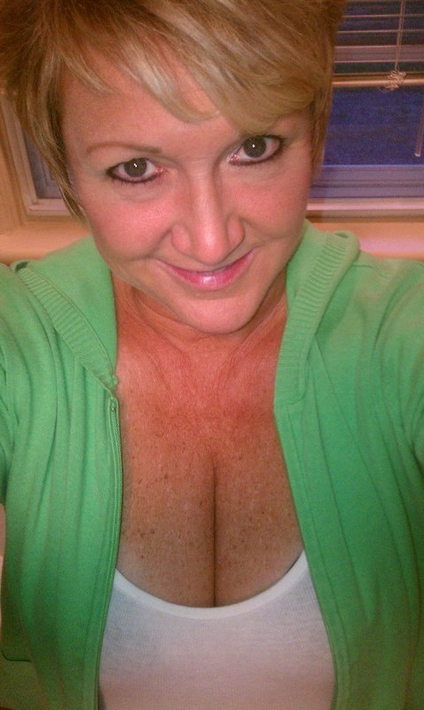 Mature Sex Contacts in Jackson. Melinda Might B The 1, 53